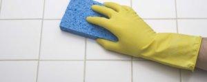 Как отмыть налет, затирку и швы на плитке?