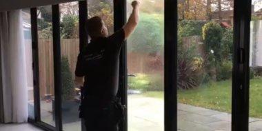 тонировка окон в квартире своими руками